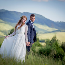 Wedding photographer Tomasz Cygnarowicz (TomaszCygnarowi). Photo of 04.02.2018