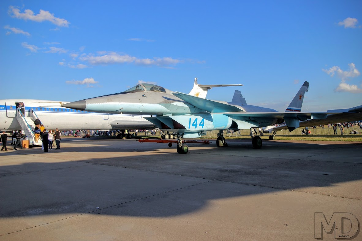 Бывший конкурент Т-50 - МиГ-1.44
