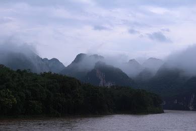 山水画の風景が残るのも共産党のおかげ?中国・桂林市の観光の目玉「漓江くだり」でノスタルジーに浸る
