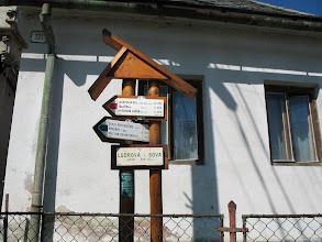 Photo: 01.Ludrová (565 m): początek czerwonego szlaku a przed nami ponad 1000 m podejścia.