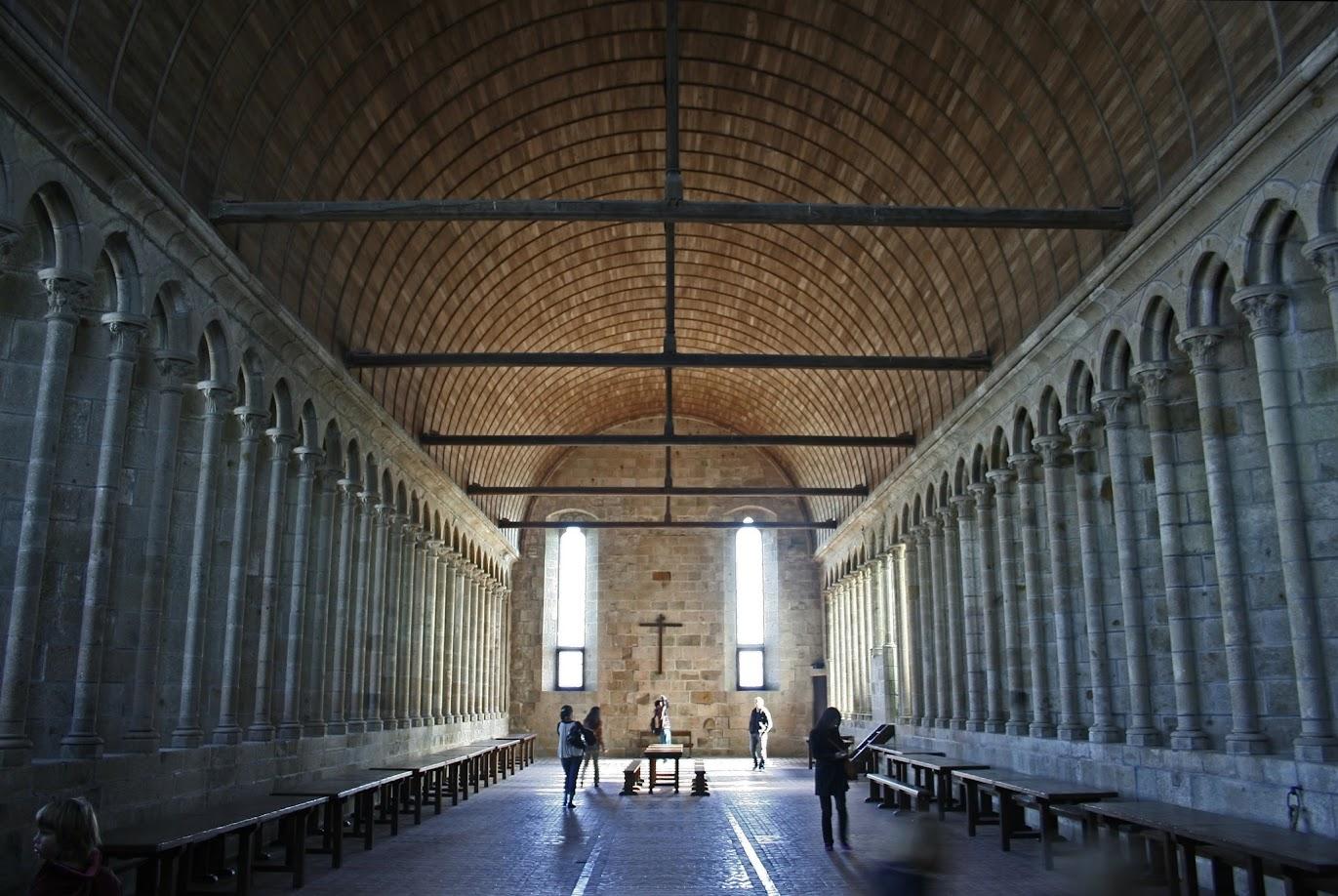 Трапезная - Mont Saint-Michel (аббатство Мон Сен-Мишель)