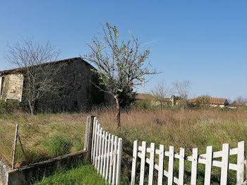terrain à Ruffec (16)