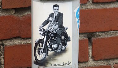 Photo: Sticker; KURZNACHZEHN