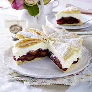 Plum and Pastry Cream Cake