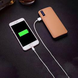Baterie externa 30000 mAh, 3 port USB si lanterna