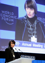 Photo: DAVOS/SWITZERLAND, 24JAN07 - Micheline Calmy-Rey, President of the Swiss Confederation and Federal Councillor of Foreign Affairs, Switzerland, welcomes the participants at the Annual Meeting 2007 of the World Economic Forum in Davos, Switzerland, January 24, 2007.  Copyright by World Economic Forum    swiss-image.ch/Photo by Severin Nowacki  +++No resale, no archive+++