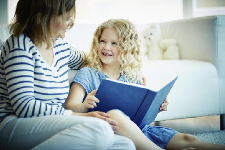 C:\Users\User\Desktop\Лариса\Сайт февраль2021\Советы логопеда. Как учить стихотворение\Мама с дочкой.jpg