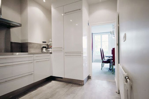 Fully equipped kitchen at 3 Bedroom Serviced Apartment in Quai de Seine