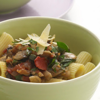 Pasta with Mushroom and Tomato Sauce