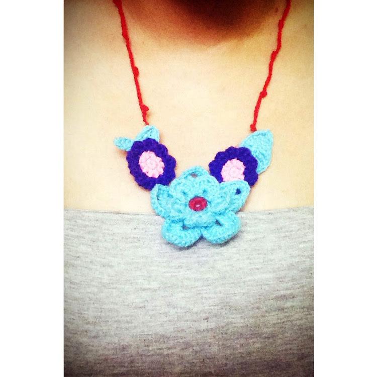 Blue flower neckace by Ricincraft