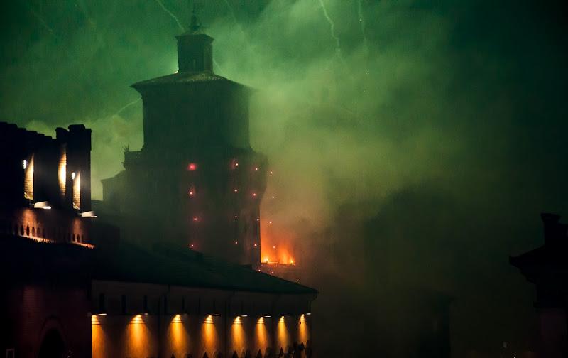 Castle on Fire di marikarossiphotography