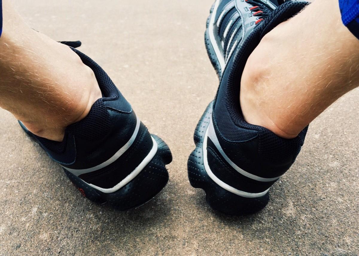 картинки : рука, башмак, белый, спорт, ноги, бег, поезд, Нога, Шестерня,  обучение, Синий, Бегун, упражнение, Черный, Фитнесс, разрабатывать, тело  человека, обувь, Кроссовки, Спортсмен 2947x2101 - - 593575 - красивые  картинки - PxHere