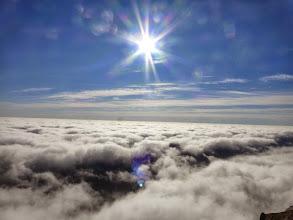 Photo: Mer de nuage et soleil