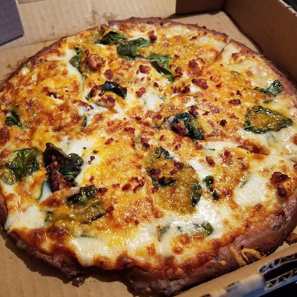 Spinach Cheddar Pizza