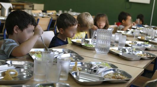 El comedor de doce colegios abrirá lunes y miércoles para familias en riesgo