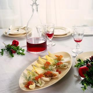 Chicoréeschiffchen mit Lachs-und Heilbutt-Tatar