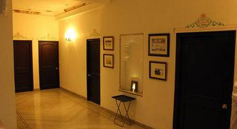Hotel Boheda Palace