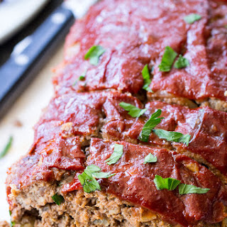 Whole30 Paleo Meatloaf {with Whole30 Ketchup!}.