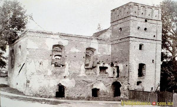 Післявоєнні фото луцької хоральної синагоги.
