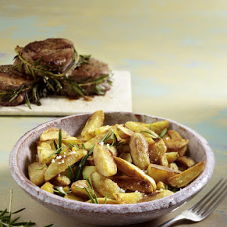 Beef Tenderloin with Rosemary-Potato Wedges Recipe