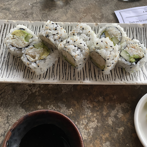 California roll with real crab