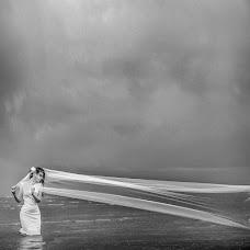 Wedding photographer Viktoriya Dedina (Dedina). Photo of 16.01.2015