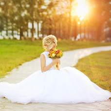 Wedding photographer Ekaterina Mikolenko (LadyBird89). Photo of 18.05.2015