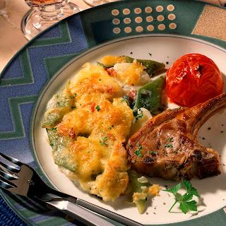 Kartoffel-Bohnen-Gratin mit Lammkoteletts