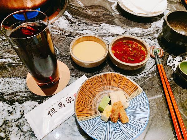 第一次約會就來到這裏❤️ 氣氛非常好隱密性佳🎈 服務人員非常用心的桌邊服務,觀察客人用餐速度調整下鍋煮的時間與上菜方式,印象深刻💋 魚肉質鮮甜非常新鮮,對於不太吃魚的我很對胃🐟 肉質也是相當軟嫩