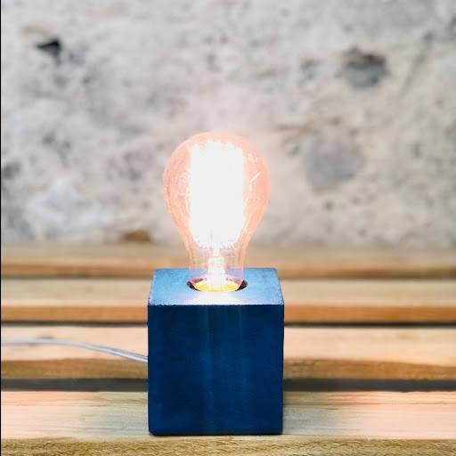 Lampe cube béton bleu pétrole