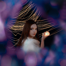 Ligth painting by Michaela Firešová - Digital Art People ( light painting, portrait, female )