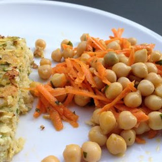 Quick and Easy Carrot and Chickpea Salad