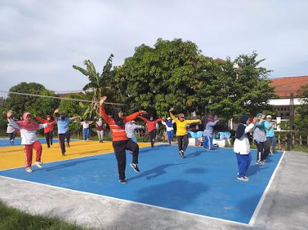 Berlatih Tai Chi di Kompleks Departemen Keuangan, Karang Tengah, Ciledug, Tangerang