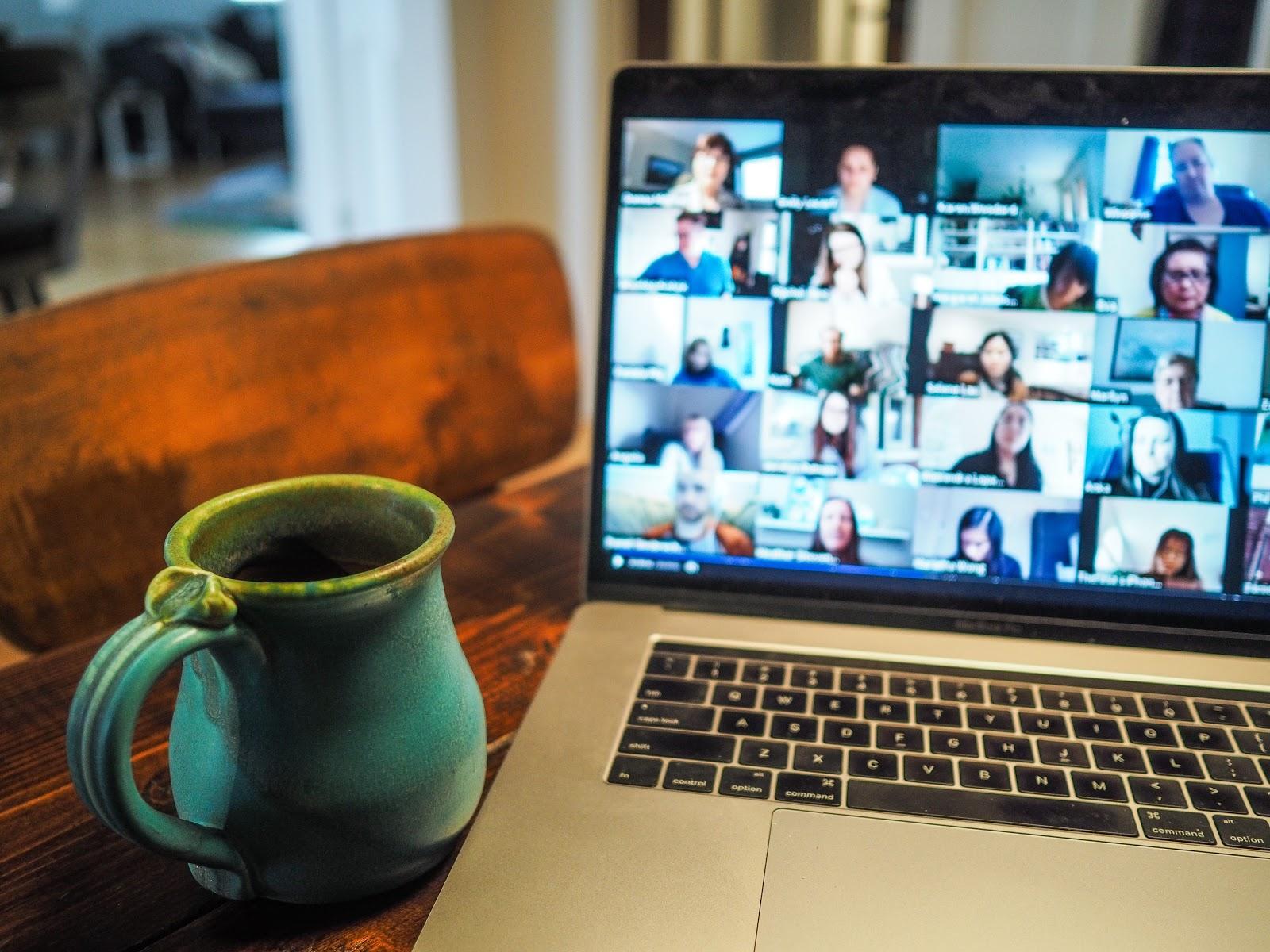 Videoconferências: como se comunicar melhor em reuniões?