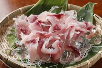 Photo: 鯉のあらい 別注料理2,100円 koi no arai carp 2100yen