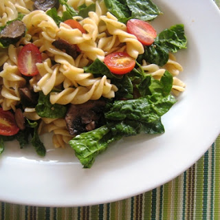 Spinach Pasta Salad with Roasted Mushrooms