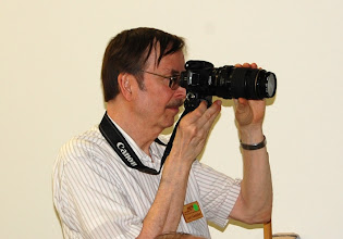 Photo: Gary gets in tight with that telephoto lens.