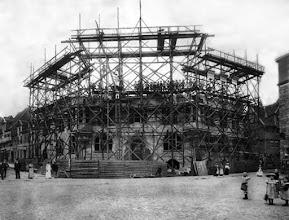 Photo: Das im bau befindliche Rathaus am Markt, gebaut zwischen 1904 - 1906