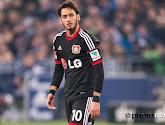 Hakan Calhanoglu scoort een prachtige goal uit vrije trap voor Bayer Leverkusen!
