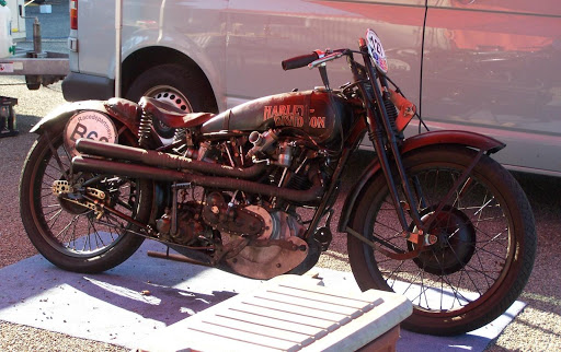 harley-davidson-de-course-photographie-par-machines-et-moteurs-a-spa-en-2006