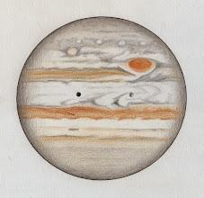 Photo: Jupiter le 1er janvier 2015 au petit matin. Conditions de seeing assez mauvaises. T406 à 470X en bino. Le satellite Io est en transit devant la planète, précédé de son ombre.