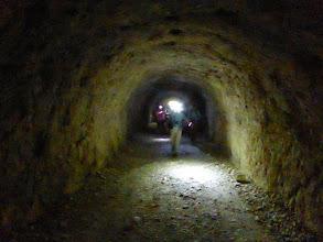 Photo: dans le tunnel du Baou