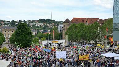 """Photo: Großdemo gegen Stuttgart 21 am Samstag, dem 15. Juni 2013, auf dem Stuttgarter Schlossplatz unter dem Motto  """"Stuttgart 21 ist überall, wehrt euch, vernetzt euch!"""" http://www.bei-abriss-aufstand.de/wp-content/uploads/Samstagsdemo_2013-06-15_Flyer.jpg"""