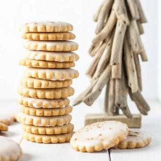 Traditional Polish Gingerbread Cookies (Pierniczki Tradycyjne)