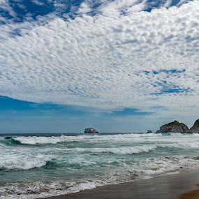 Puerto Escondido MEX by Andrius La Rotta Esquivel - Landscapes Beaches ( amazing, cloud formations, clouds, beaches, clouds and sea, beach, landscapes, photography )