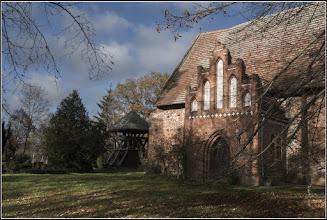 Photo: gothische Dorfkirche aus dem 14. Jahrhundert in Parum