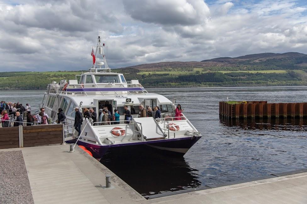 statek wycieczkowy na jeziorze, Szkocja