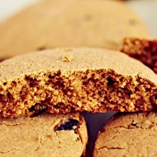 Easy Oatmeal Raisin Cookies.