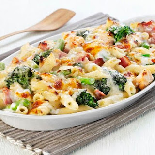 Cheesy Ham & Broccoli Pasta Bake.