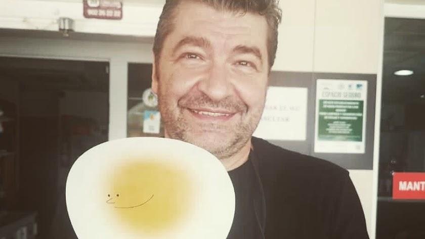El chef Francisco Manuel con el 'Solete'.